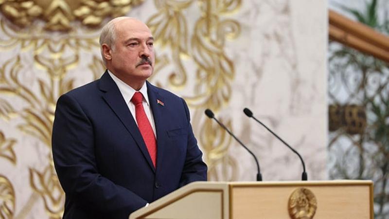 Белорусский президент посетил тюрьму на встречу с оппозицией